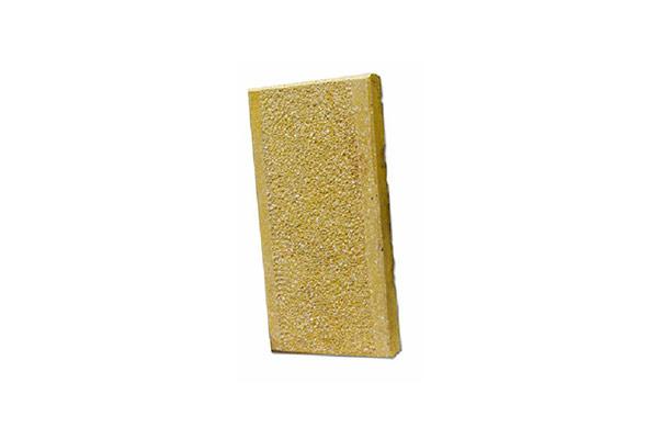 Monostrato-senape-con-fasce-e-bocciardato