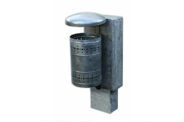 Cestino-portarifiuti-in-finta-pietra-lavica-levigata-e-coperchio-ferro-zincato