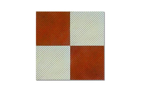 Composizione-pavimento-rigato-rosso-e-grigio