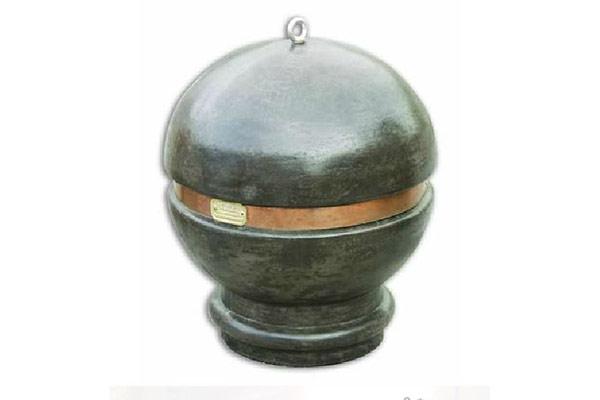 Dissuasore-sfera-senza-base-finta-pietra-lavica-fascia-rame-centrale