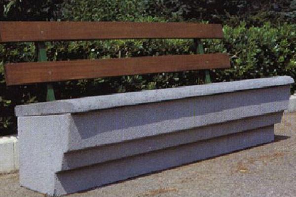 Panchina-Salerno-con-schienale-legno-Hiroko