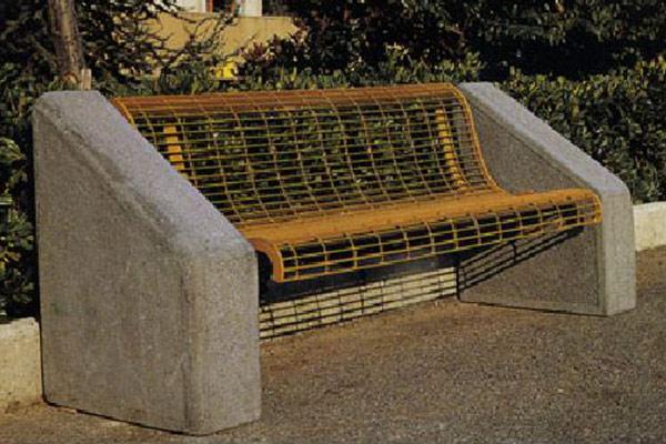 Panchina-alta-supporto-cemento