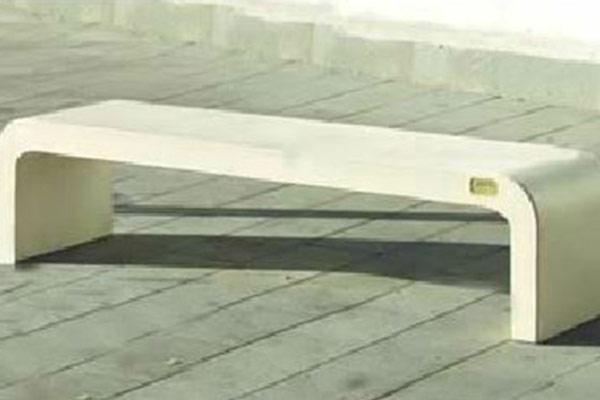 Panchina-moderna-bianca-levigata