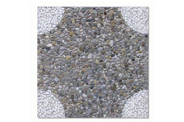 Pavimento-cerchio-piccolo-agli-angoli-ghiaia-scura-e-bianco-Carrara