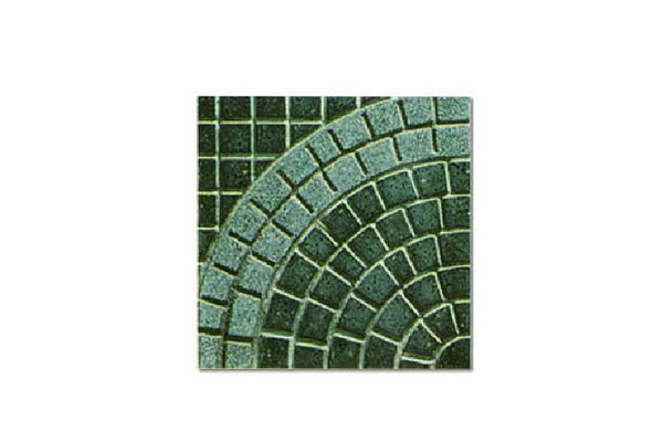 Pavimento-porfido-levigato-cerchio-grande-doppio-antracite-e-graniglia-naturale