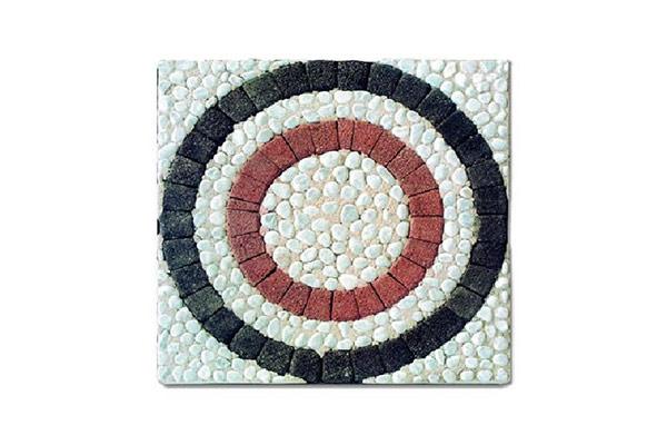 Rosone-cubetti-anticati-antracite-rosso-ciotoli-bianco-Carrara