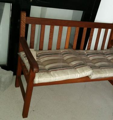 panchina-legno-cuscini